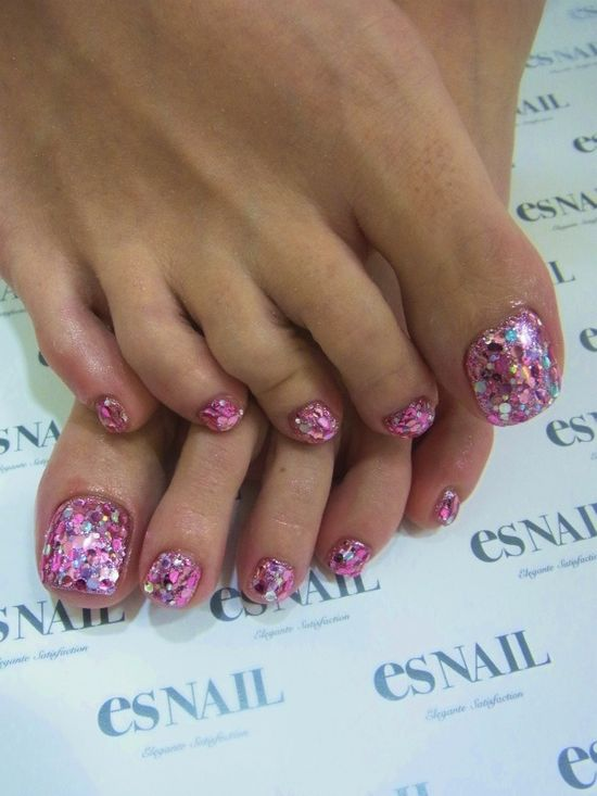 pink?glitter?pedi Too much for the feet