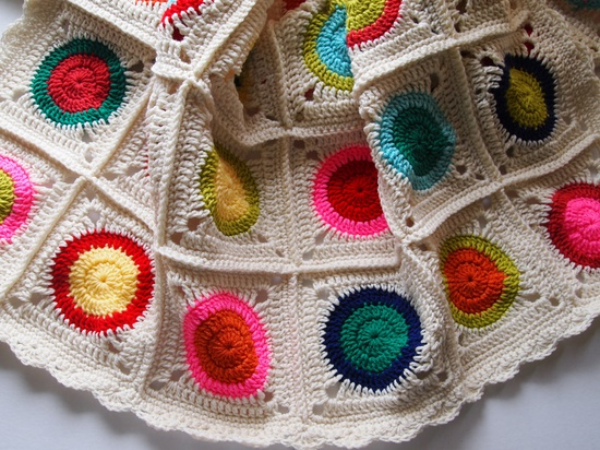 Circle to square afghan. Lovely!
