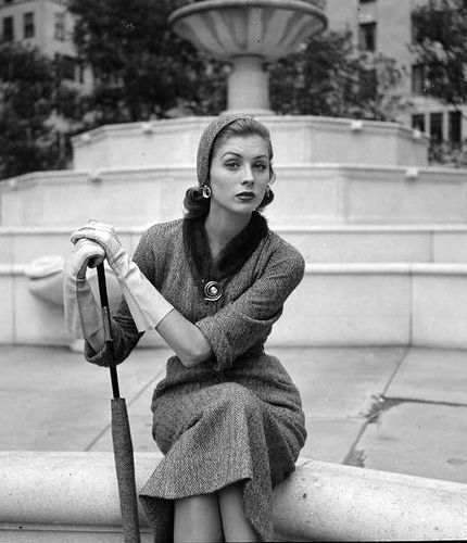 1951 LIFE  Model Suzy Parker - photo by Nina Leen - hat and dress of same fabric, and umbrella too? Great gloves and jewellry