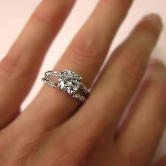 1.30 carats Diamond Engagement Ring 14k White Gold