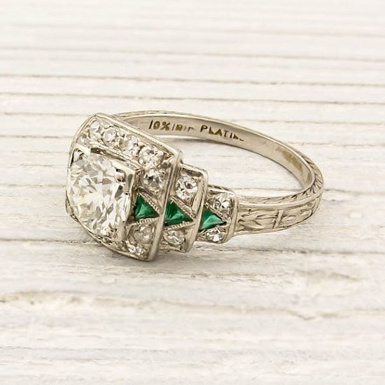 1920s Old European cut diamond & emerald engagement ring.