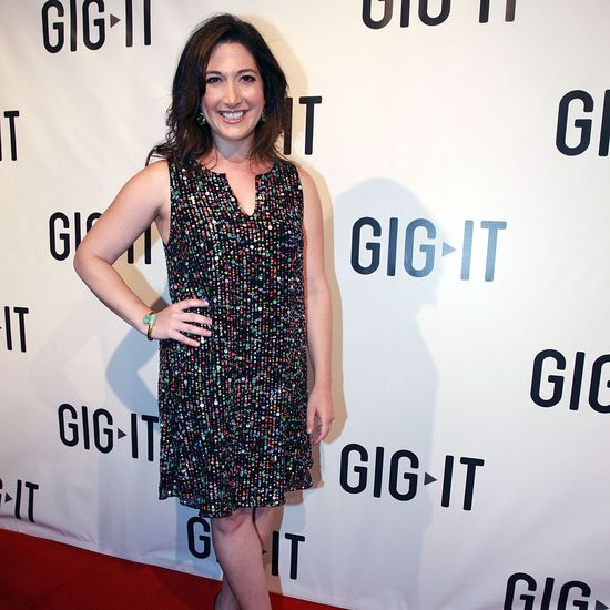 Media maven Randi Zuckerberg shares tips on how to develop a healthier relationship with technology and how exercising can help.