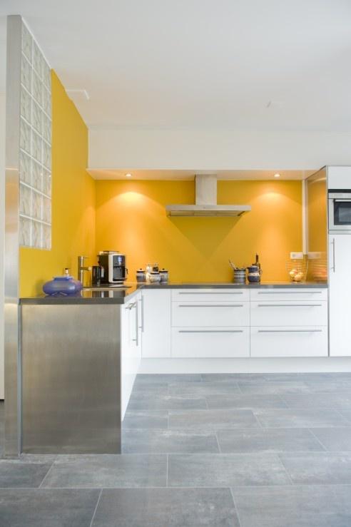 Modern Home - Kitchen