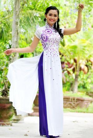 Ao dai #vietnamese dress #white and purple #like #pretty