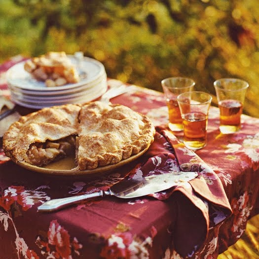 An apple pie is a perfect autumn food.