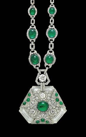 Emerald necklace & pendant that belonged to Maharani Prem Kumari, wife of the Maharaja of Kapurthala ca.1910 Portrait & short bio of the Maharani at www.noblesseetroy...