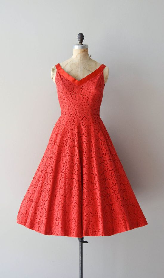 vintage 50s dress I LOVE this style! #soclassy!