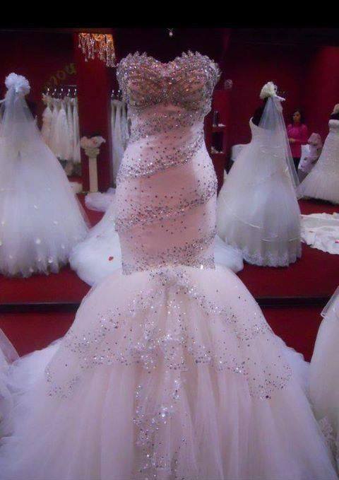 ? seriously want to get married in this! It's so perfect..