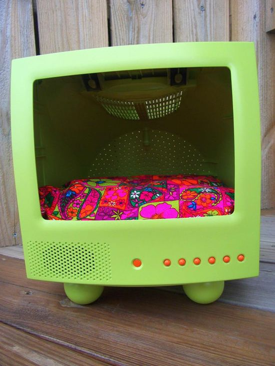 Recycled T.V. Dog Bed