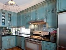 Love the color of the cabinets.