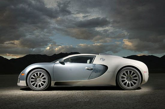 10 fastest cars of 2013 - number 1 fastest street leagal car Bugatti Veyron at 268mph