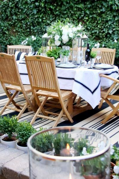 navy and white table setting for outdoors
