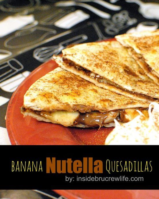 Banana Nutella Quesadillas - cinnamon sugar tortillas filled with Nutella and banana slices #Nutella