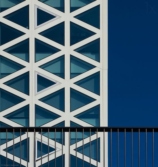 1X - The X building by Gerard Jonkman