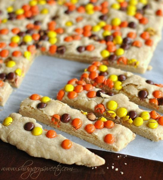 Peanut Butter Reese's Pieces Shortbread Bars: delicious, easy melt in your mouth shortbread! #reeses #peanutbutter @Shugary Sweets