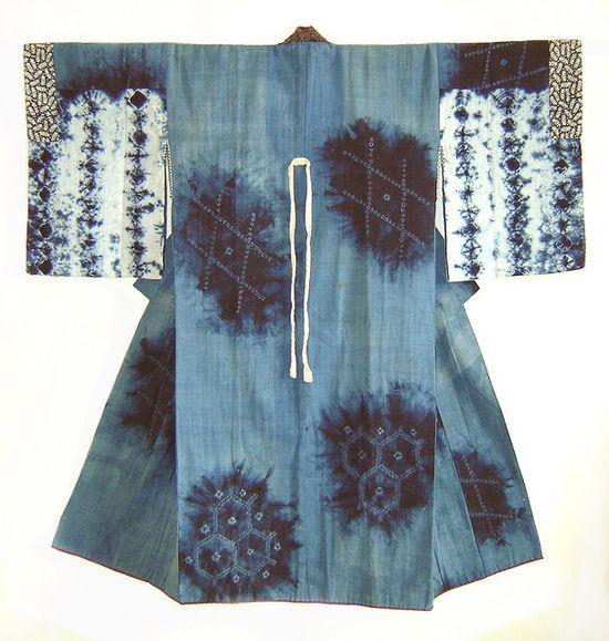 A Northern Japanese indigo dyed shibori juban.   Sri Threads.  #shibori