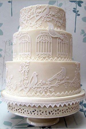 Birdcage vintage cake. So pretty!