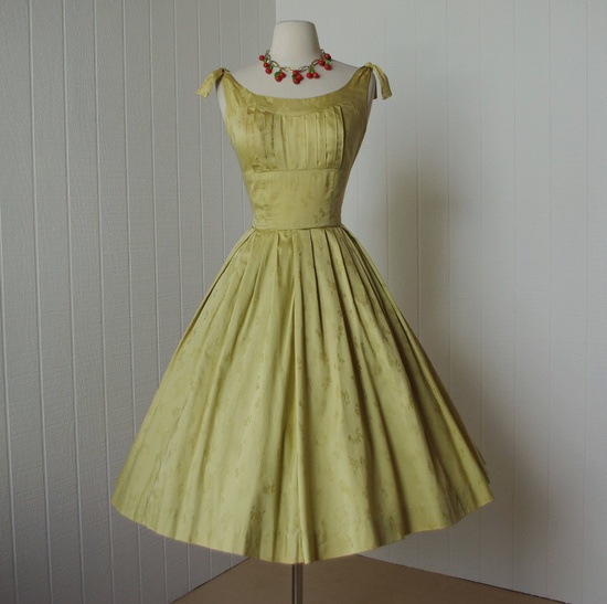 Very cute vintage 1950's polished cotton dress.