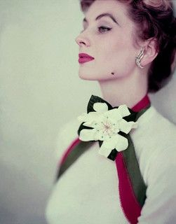 So deeply beautiful. #flowers #vintage #1950s #fashion