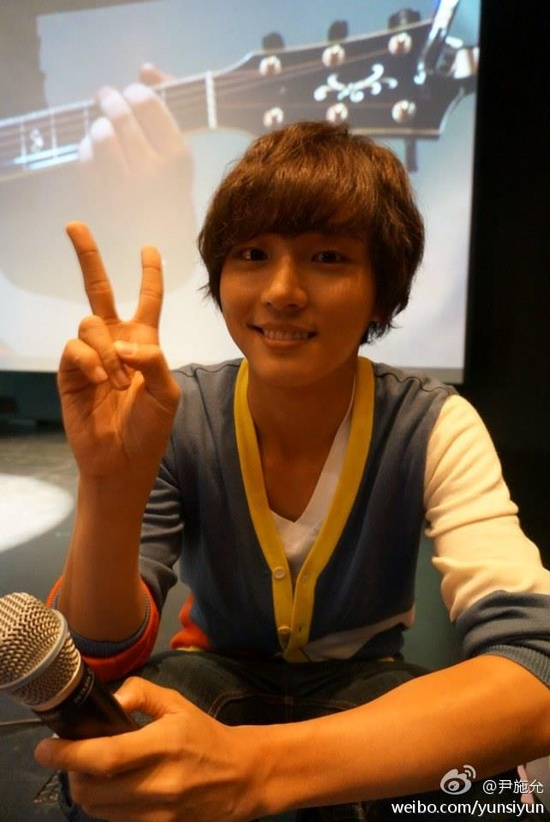 Yoon Shi Yoon ??? Going to Beijing on 20th for Happy Noodle promotion. See you oh~!