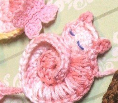 Crocheted kitty applique pattern