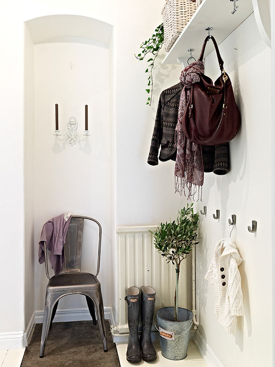 How pretty is this little nook?