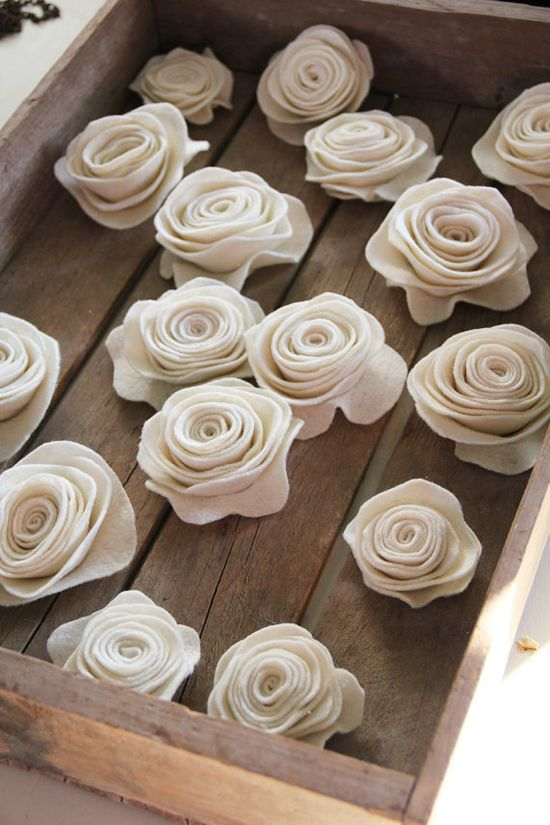 Online tutorial to make these felt roses.