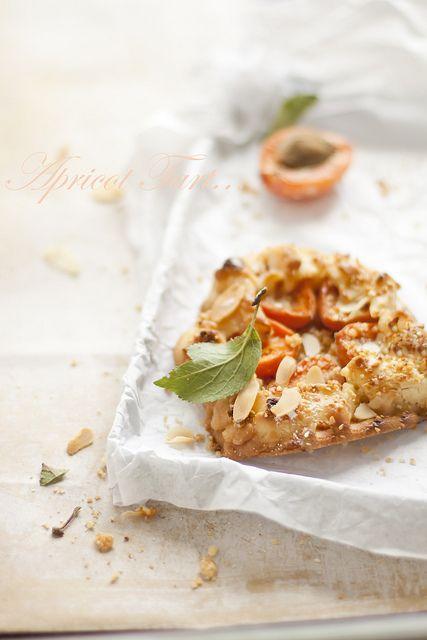 Fresh, sweet, beautifully summer Apricot Tarts. #food #cooking #baking #dessert #tarts #summer #fruit #apricots