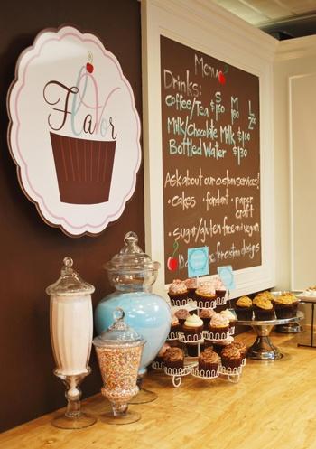 Flavor Cupcakery... I Love the Design