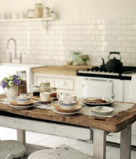 Breakfast Table: via Design Sponge