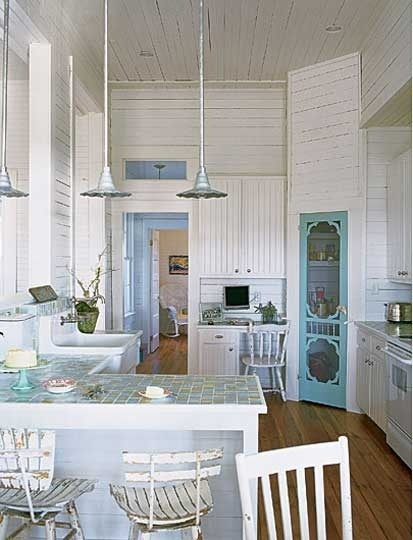 Great kitchen for a cottage!