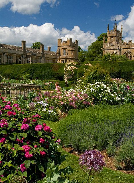 Rose Garden,    Sudeley Castle, Gloucestershire