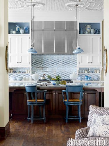 Kitchen Breakfast Bar... LOVE these blue chairs!