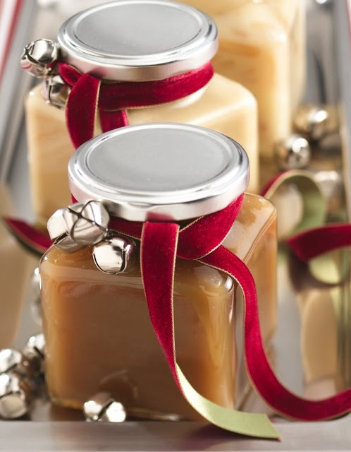 Not crazy about the caramel sauce, but like the ribbon and bell decoration