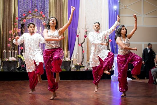 dance at the wedding reception