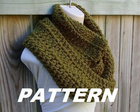 """Infinity Scarf Cowl Crochet Pattern  I really MUST learn to knit or crochet....add this to my """"Things To Do List"""""""