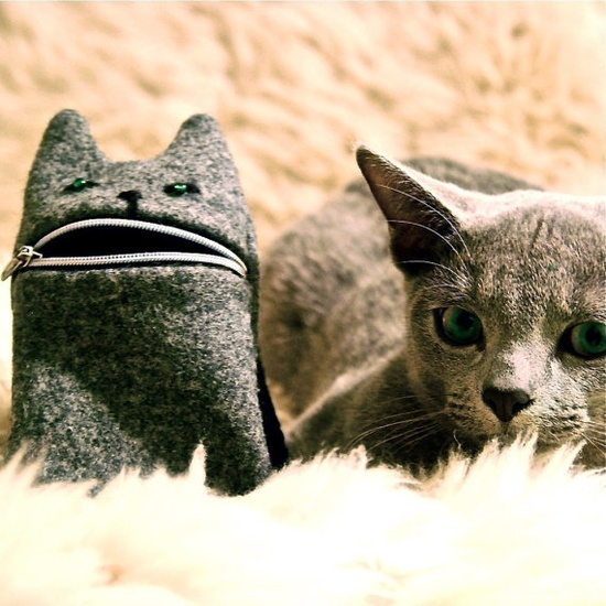Iphone case or camera zipper pouch Hungry cat von Tokyoinspired, €14,00