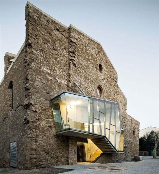 Auditorio en el convento de Sant FrancescSantpedor/Spain/2011