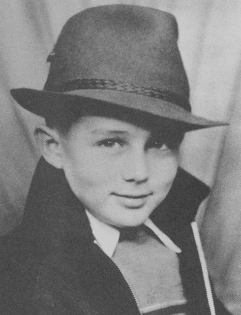 Young James Dean (age 7-8?)
