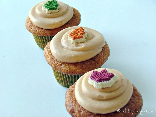 Butterscotch maple cupcakes!  Sound perfect for fall!!! #cupcake #food #yummy