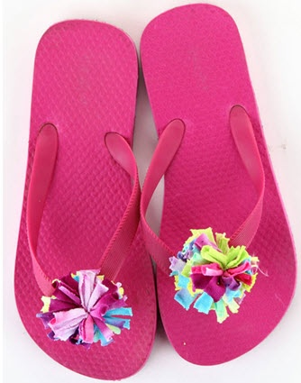 iLoveToCreate® Fluffy Flops  #diy #fashion