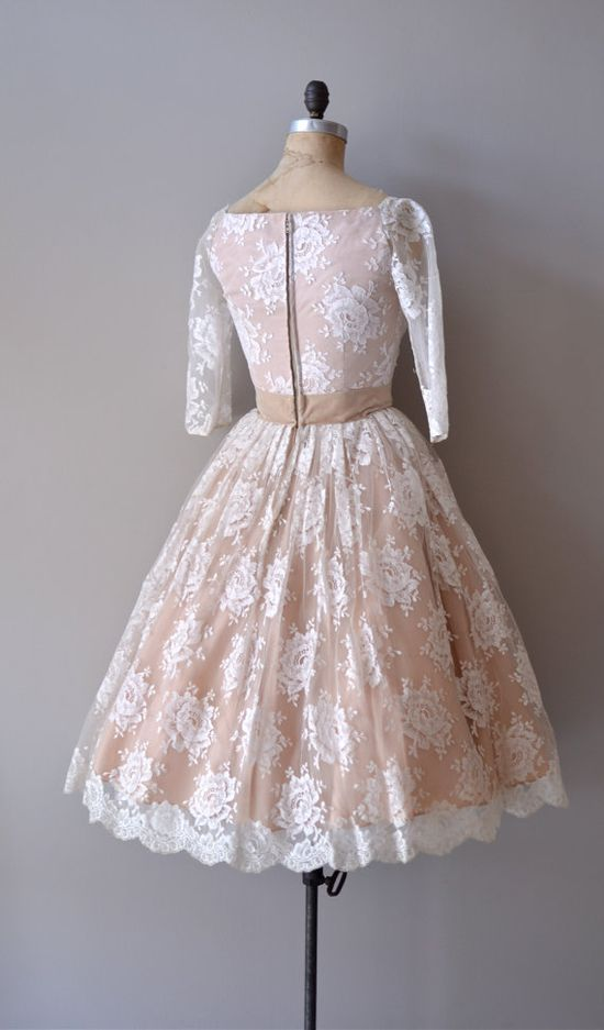 lace 1950s dress / vintage 50s dress / Sugarspun Lace dress