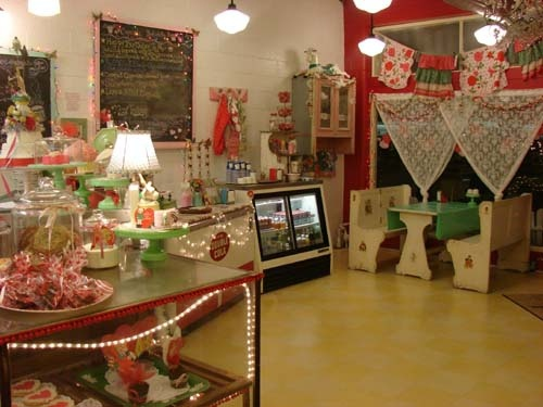 bakery again! Love the table and bench set!