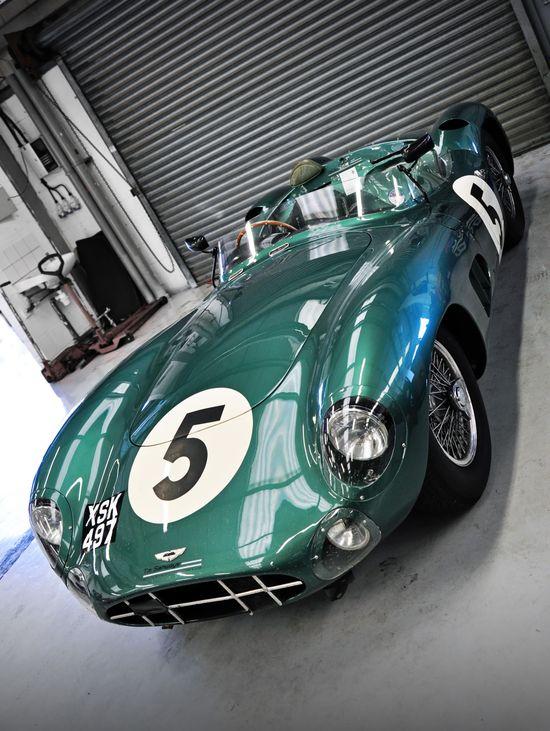 Aston Martin - The color