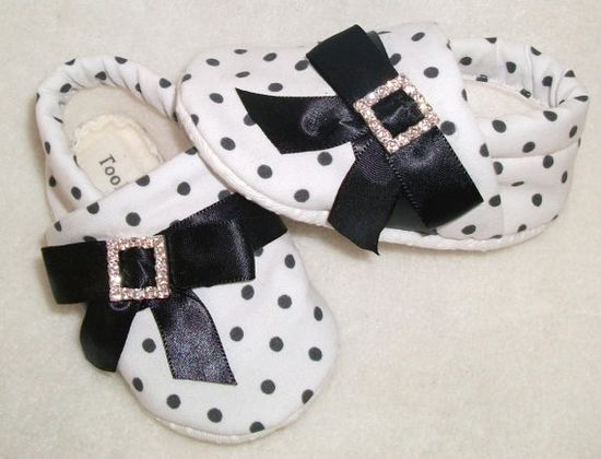 Baby girl shoes baby slippers baby shoes baby by Tooksberry, $22.00