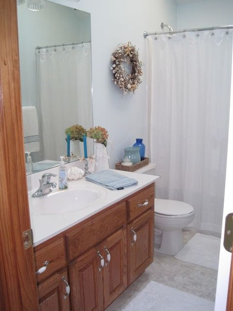 Decorated Chaos: Bathroom Redo-Before AND After--Simple