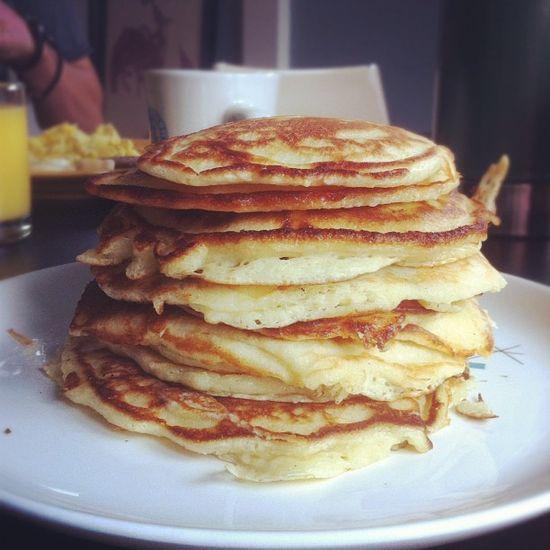 Short Stack. Best pancakes ever. Ruth's pancakes recipecircus.com/...
