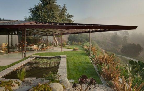 A modern residence defying Architecture symmetry by Rodney Walker Architects