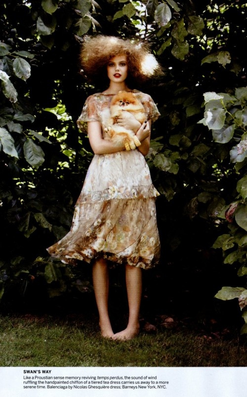 #fashion #photography #spring #editorial ; Metro photography thinks that this image is quirky and cool!