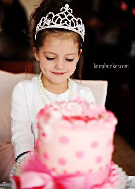 Princess party by Laura Bunker. See more of it on www.karaspartyide...
